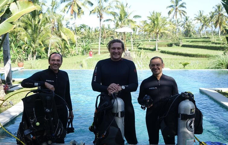 Try Scuba Diving Course SSI or PADI in Bali