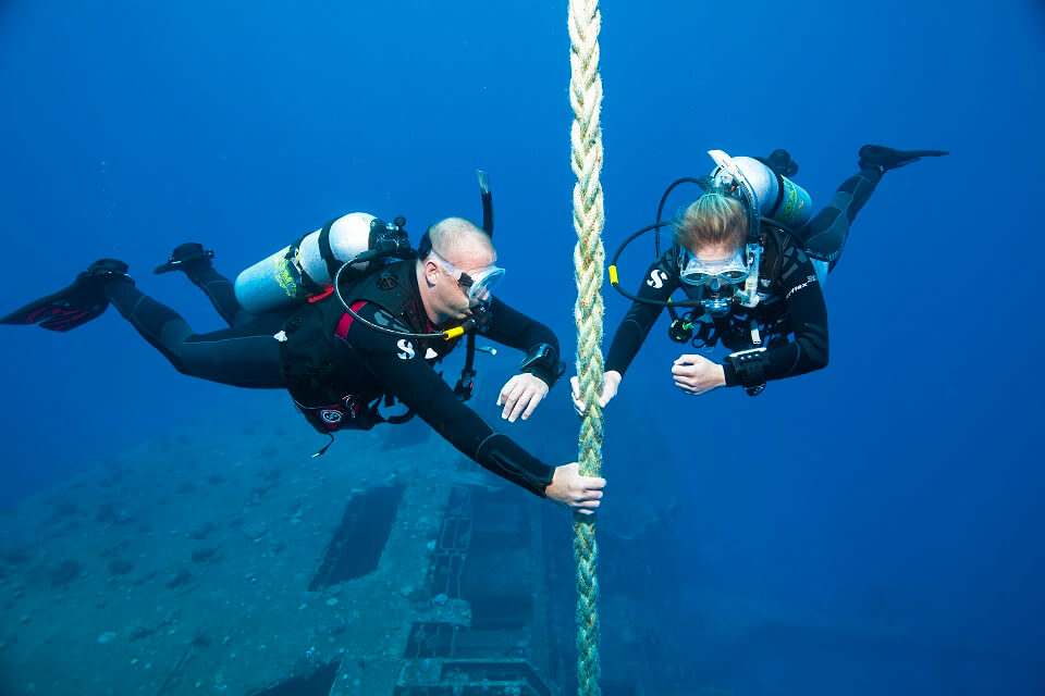 Wreck Diving dive course in Bali with Nico Dives Cool Bali